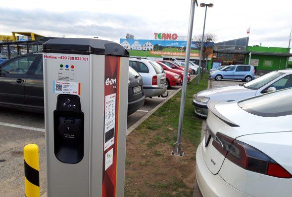 Do sítě E.ON Drive jsme instalovali stou veřejnou dobíječku pro elektromobily